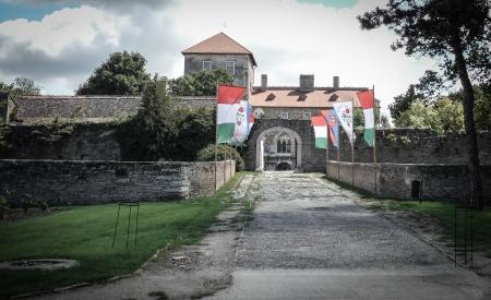 Ungarn  Tata