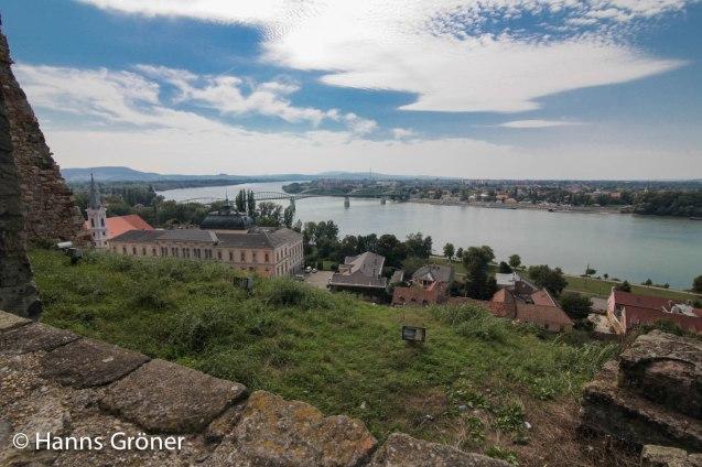 Esztergom - Blick von der Basilika auf die Donau und Slowakei