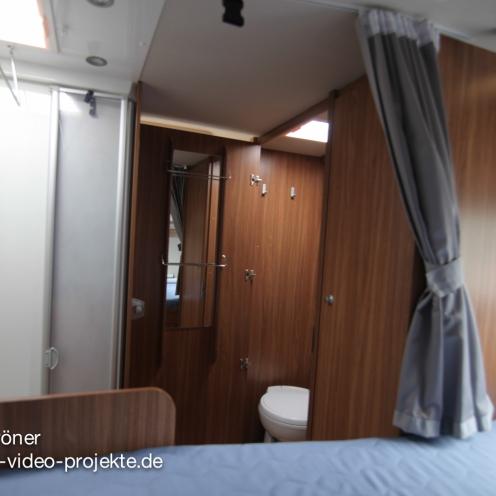 Carado T334 innen  Schlafbereich mit geschlossener Türe