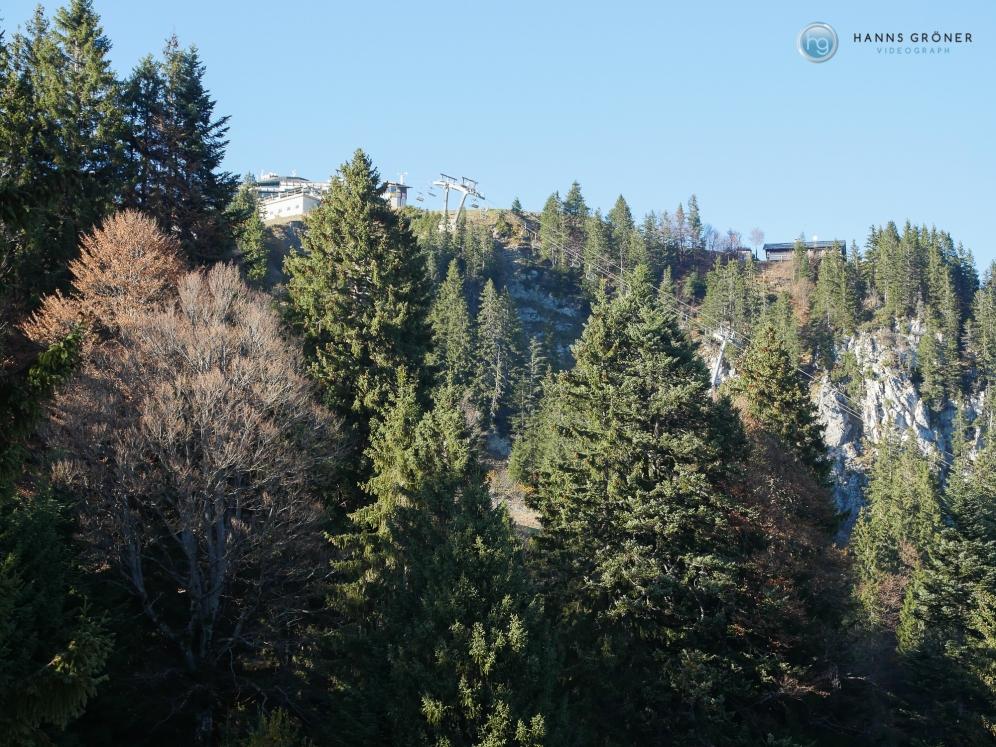 Blick hoch zur Bergstation Foto: Hanns Gröner