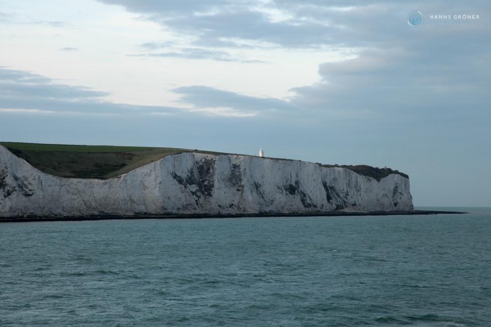 Land in Sicht! Die weißen Cliffs bei Dover (Foto: Hanns Gröner)