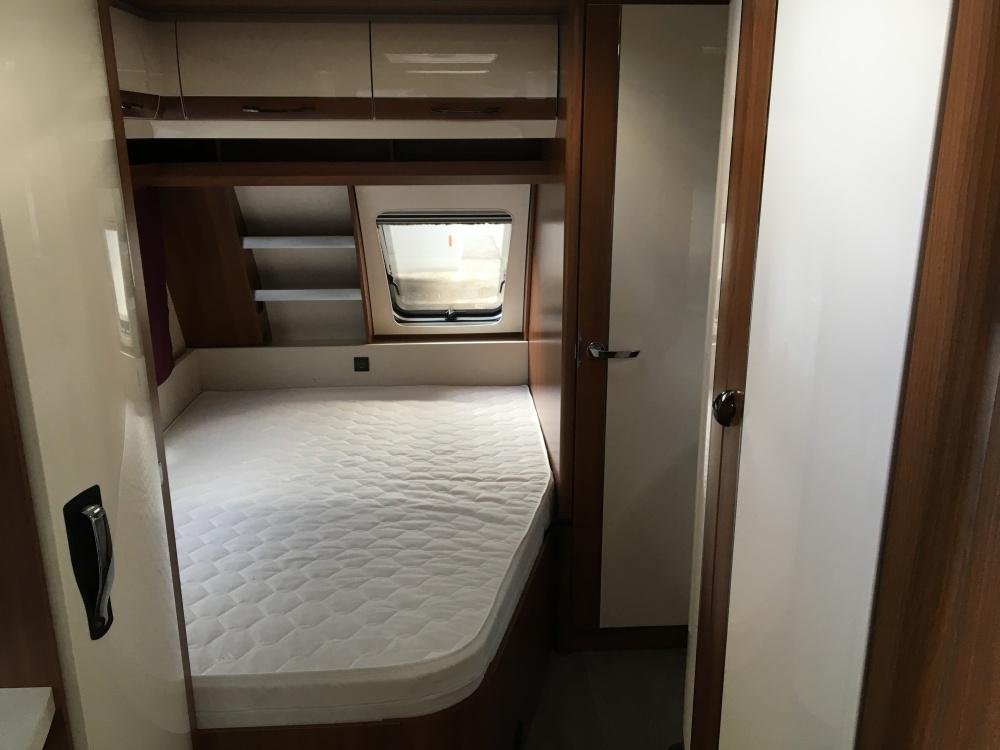 Hobby Ausstattung 495 UFE Bett