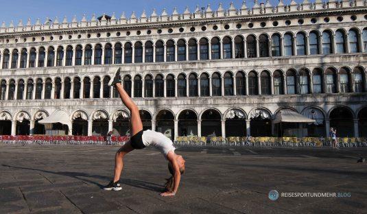 Venedig 2017 - Turnkunst auf dem Markusplatz (Foto: Hanns Gröner)
