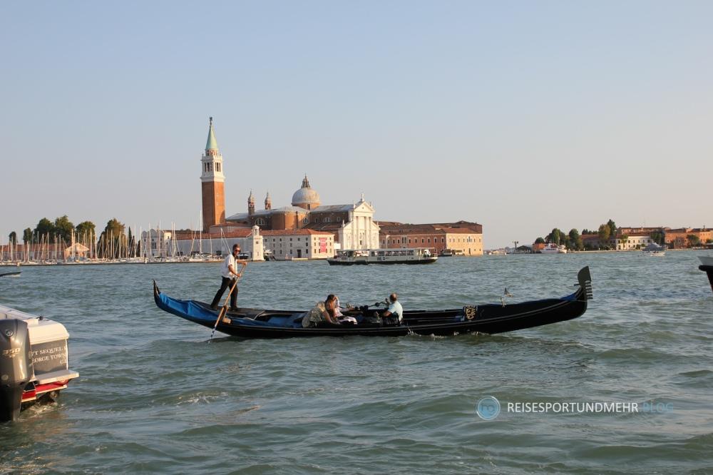 Venedig | Gondel vor San Giorgio (Foto: Hanns Gröner, 2010)