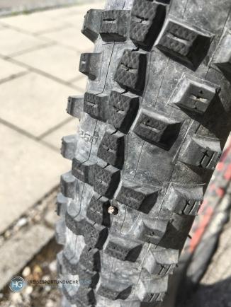 Nagel im Reifen (Foto: Hanns Gröner)