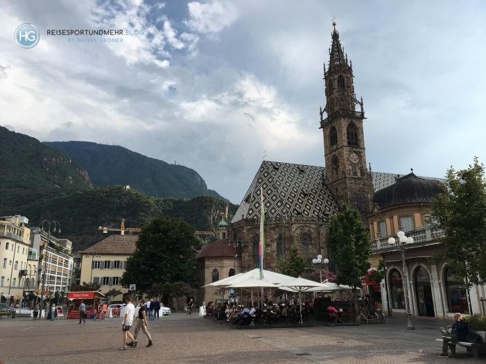 Bozen - Piazza Walther (Foto: Hanns Gröner)