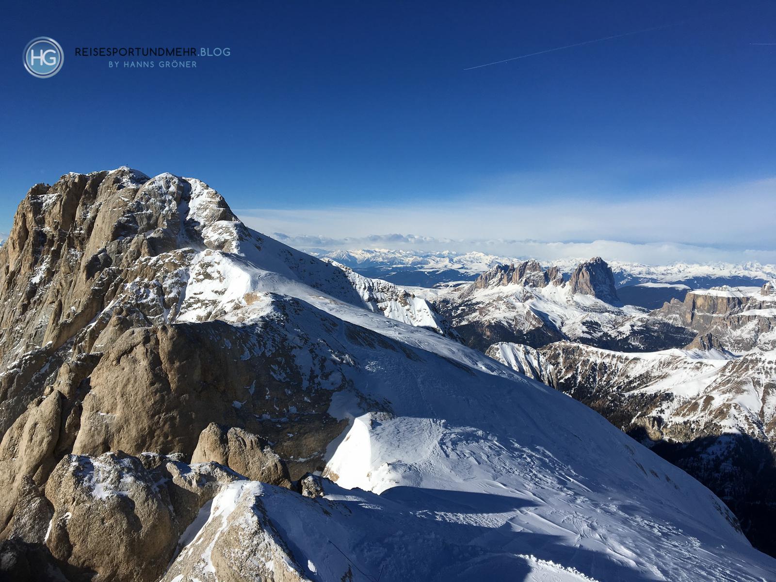 Südtirol Dezember 2018 - Marmolada mit Langkofel im Hintergrund (Foto: Hanns Gröner)