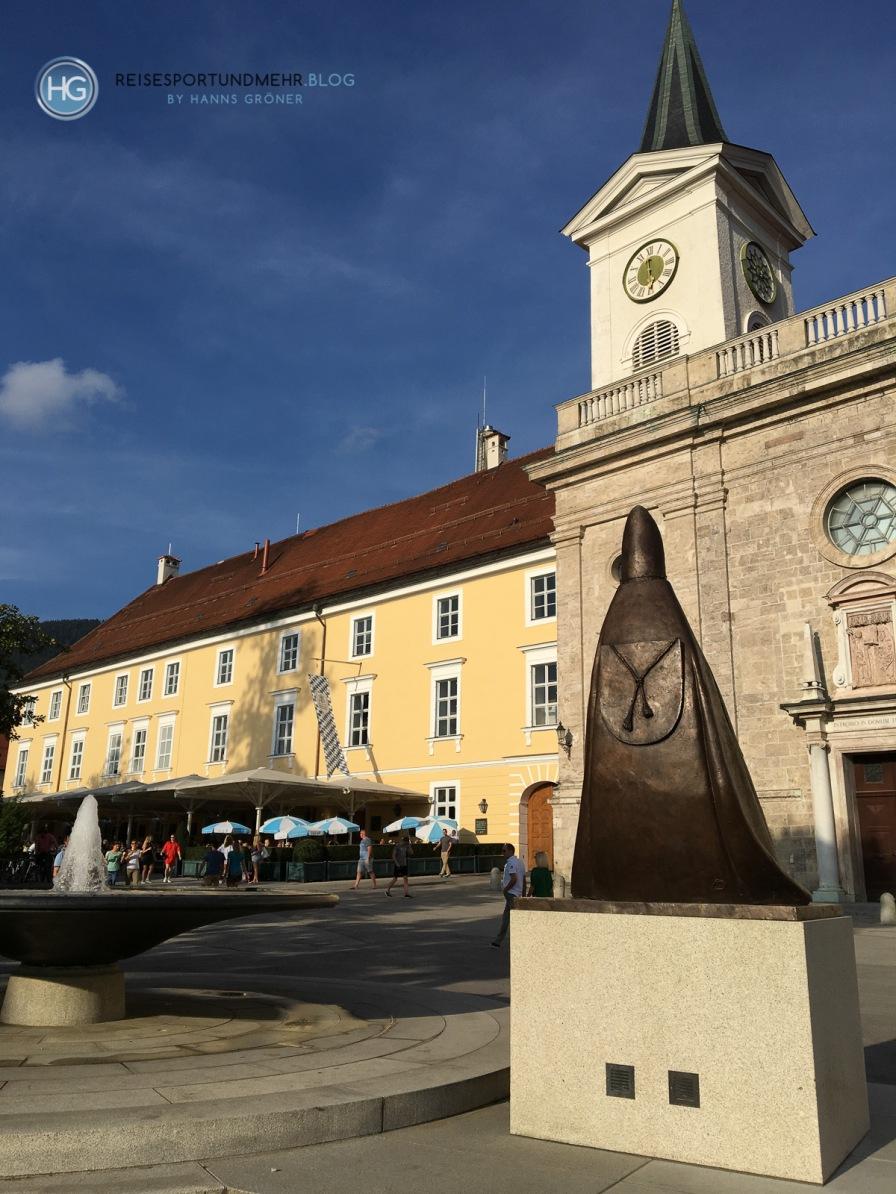 Bräustüberl und Klosterkirche in Tegernsee 2018 (Foto: Hanns Gröner)