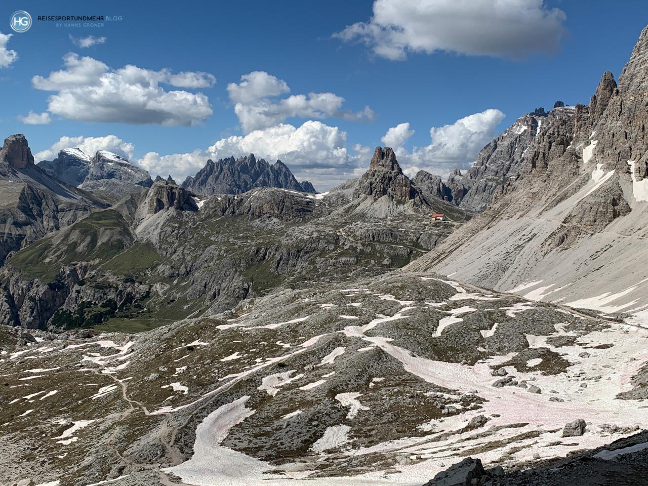 Drei Zinnen 2020 - Blick vom Paternsattel auf das Rifugio Locatelli (Foto: Hanns Gröner)
