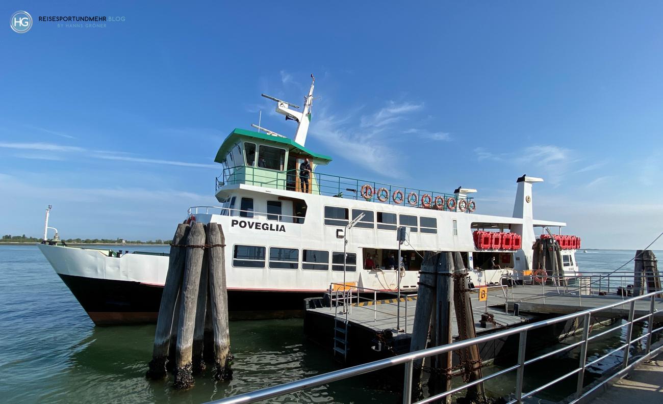"""Venedig Pfingsten 2021 - die """"Poveglia"""" eines der größeren Schiffe, die zwischen Punta Sabbioni und San Marco verkehren (Foto: Hanns Gröner)"""