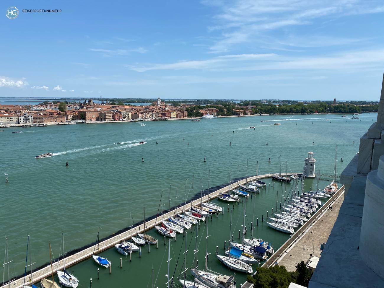 Venedig Pfingsten 2021 - wunderbare Aussicht vom Glockenturm San Giorgio Richtung Arsenale und Giardini (Foto: Hanns Gröner)