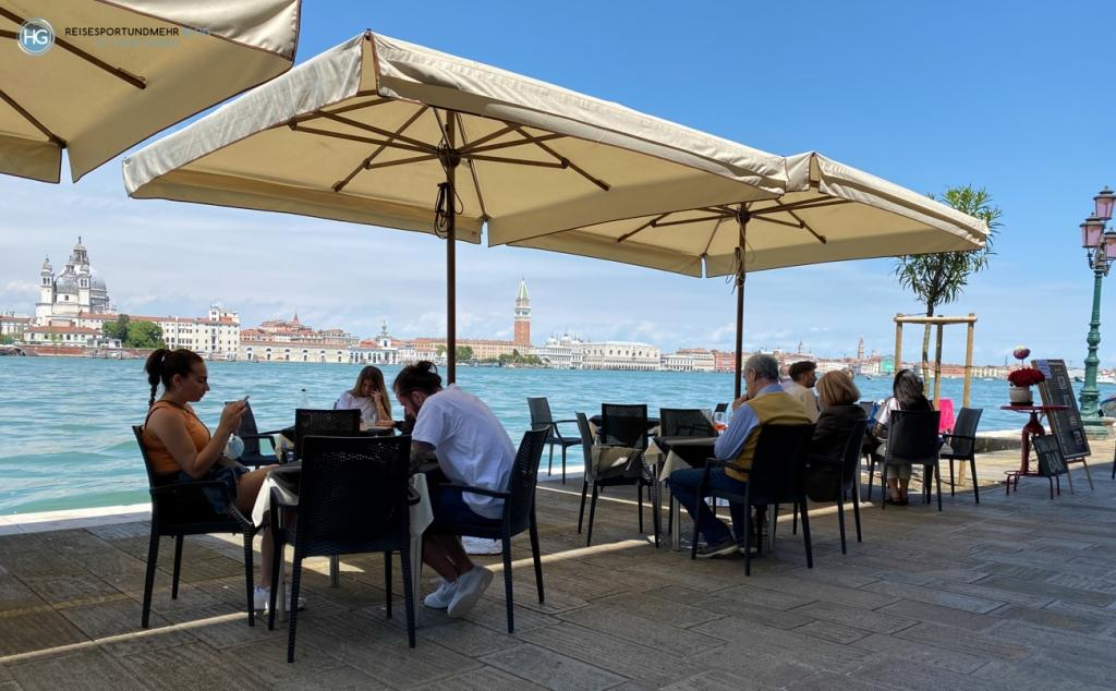 Venedig Pfingsten 2021 - gemütliches Mittagessen vor grandioser Kulisse in der Bar Da Monica (Foto: Hanns Gröner)